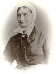 Kilde: Geocatching.com. Signekonen Anne Brannfjell. Anne ble født i 1815 på  Vardal ved Gjøvik og flyttet til Christiania som 25-åring. Noen tiår senere skulle hu n bli landets mest kjente signekone, eller kloke kone, og få kallenavnet Anne Brannfjel l.